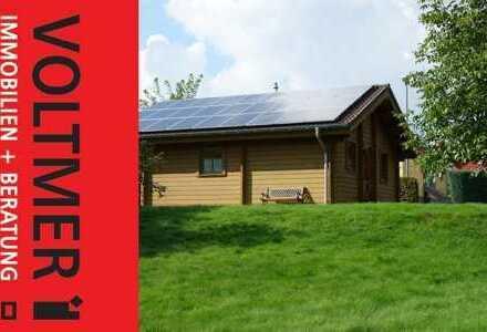 RUHEPUNKT - gepflegtes Holzblockhaus mit PV-Anlage in Oberhambach