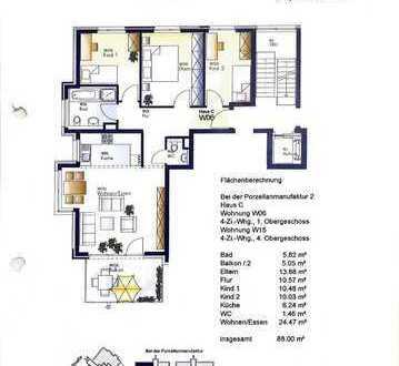 Stilvolle, neuwertige 4-Zimmer-Wohnung mit Balkon und EBK in Schorndorf