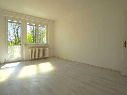2 Raumwohnung_47 m²_Hof_Keller_Balkon_EBK