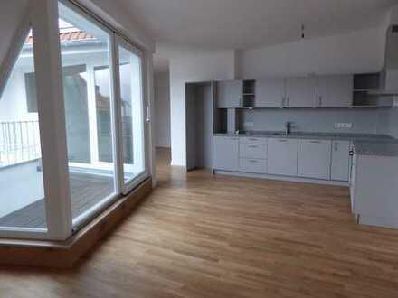 Erstbezug mit EBK und Balkon: schöne ruhige 4-Zimmer Wohnung in Wilmersdorf