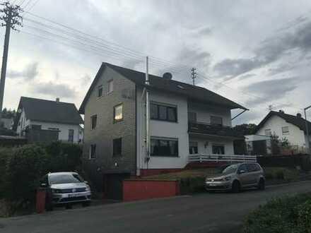 Gepflegte 4-Zimmer-Wohnung mit Balkon und EBK in Kreuztal