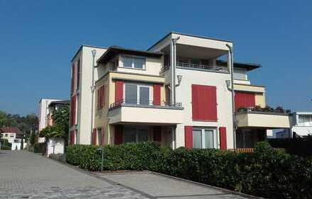 Luxuriöse, geräumige Zwei-Zimmer-Wohnung in Leonberg plus extra Hobbyraum !