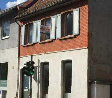 Renovierungsbedürftiges Haus mit 125 qm Wohnfläche in Horchheim zu verkaufen