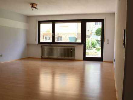 Lichtdurchflutete 2-Zimmer-Wohnung im Erdgeschoss