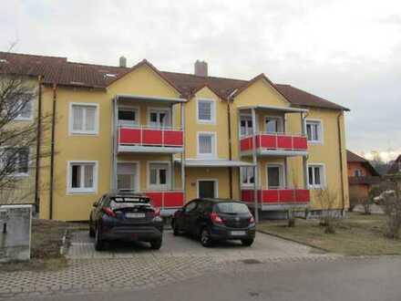 Helle, gepflegte und modernisierte 2-Zimmer Wohnung mit Balkon in ruhiger Lage