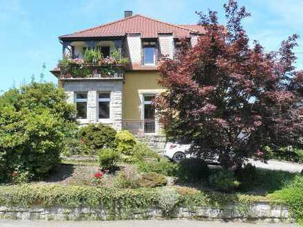 Freistehendes Gebäude in sonniger Lage von Baden-Baden Neuweier mit Baugrundstück