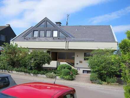 Meckenheim Pfalz: 4ZKB, WC, ca. 115 m², 1. OG Whg. in repräsentativem 2-Familienhaus