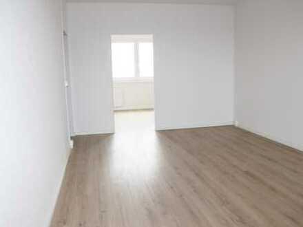 Frisch renovierte 4-Zimmer-Wohnung mit EBK und Balkon