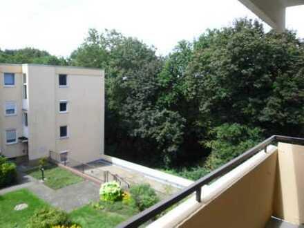 Erstbezug nach Renovierung: 3-Zimmer-Wohnung, Balkon und Tiefgarage in Nürnberg