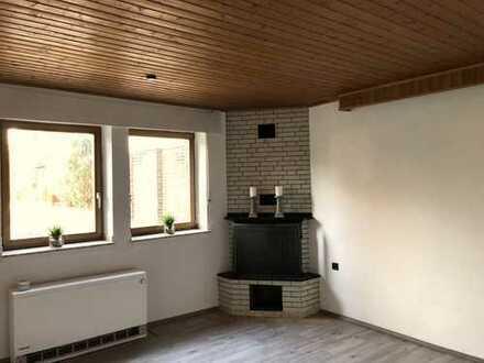 frisch renovierte 2 -Zimmer Wohnung mit großer Terrasse und eigenem Garten in Nievenheim