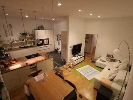 Energetisch saniertes 100m² Jugenstil-Juwel im Hochparterre mit EBK, Garten, Keller, Hobbyraum