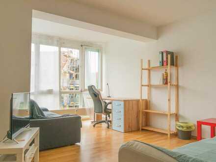 Sonnige Wohnung mit Straßenbahnanschluss (provisionsfrei)