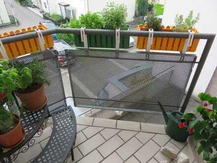 Sonniges Appartement mit Balkon und TG-Stellplatz in RT
