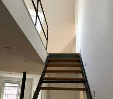 Exklusive, sanierte 5-Zimmer-Maisonette-Wohnung mit Balkon und EBK in Stuttgart-Bad Cannstatt