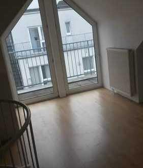 schöne 3 Zimmer Maisonetten Wohnung Krefeld/Innenstadt