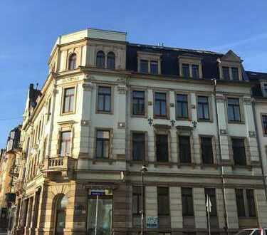 Große Familienwohnung mit 2 Bädern und kleinem Balkon in Dresden Pieschen!