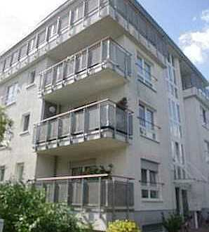 Endlich zu Hause: Hübsche Erdgeschoss-Maisonette-Wohnung in Nauen mit 2 Balkonen und Hobbyraum!