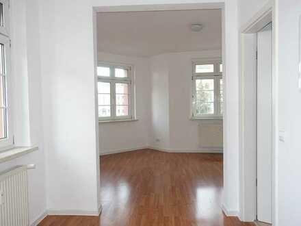 Großzügige Einraum-Eck-Wohnung in Plagwitz mit schönem Erker.
