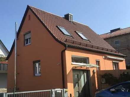 Schönes, freistehendes EFH mit drei Zimmern in zentraler Lage in Mering