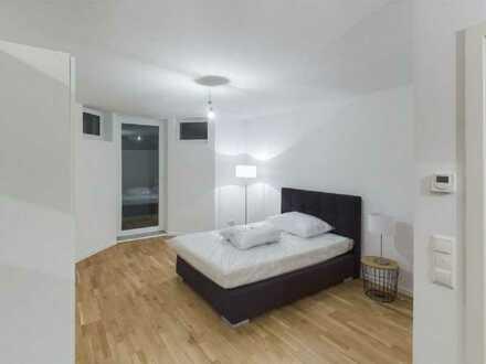 Neuwertige 2-Raum-Maisonette-Wohnung mit Balkon und EBK in Berlin-Marienfelde (Tempelhof)