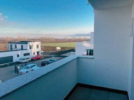 Schöne 3 ZKB WC Wohnung, Erstbezug mit tollem Ausblick und guter Lage