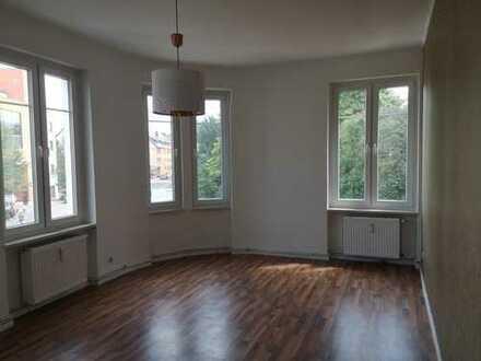 Zentrale 3 ZKB Wohnung mit Einbauküche (ideal für WG´s und Studenten)