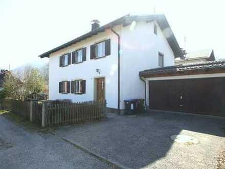 Bad Kohlgrub - ein ZWEIFAMILIENHAUS auf schönem, großen Grundstück - ruhig und doch zentral gelegen.