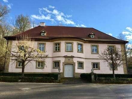 Außergewöhnliches Büro- und Wohnhaus in Tambach