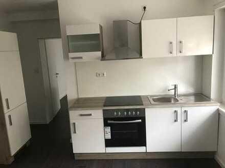 Kernsanierte 2 Zimmer-Wohnung mit Einbauküche