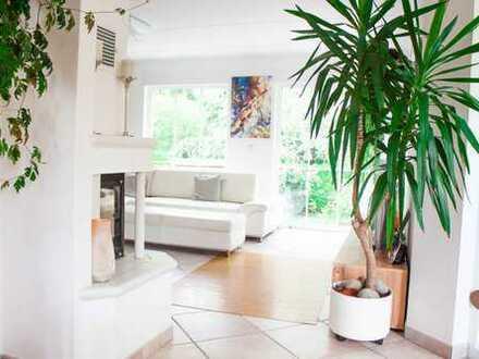 Energieeffizientes Einfamilienhaus od. Generationenhaus direkt am Wald in ruhiger, zentraler Lage!