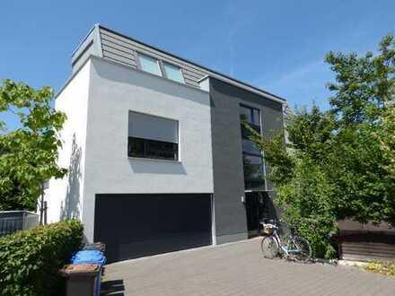Moderne und ausgefallene 3-Zimmer-Dachgeschoss-Wohnung direkt an der Wupper!
