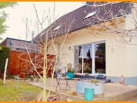 *** DHH + Garage + Kaminofen + Terrasse zur MIETE ***