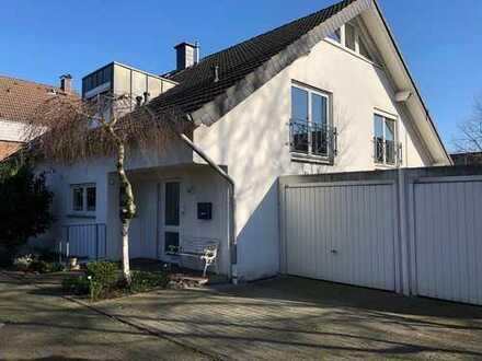 Modernisierte Doppelhaushälfte in Meerbusch-Lank - Erstbezug