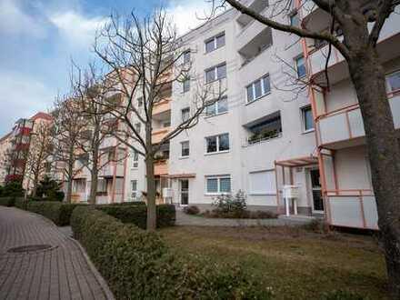 Große 3-Raum-Wohnung mit 2 Balkonen in schöner Lage