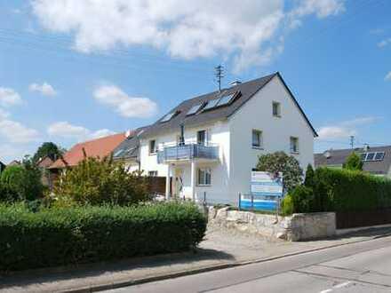 Gelegenheit! Sehr schöne 3-Zimmer-Wohnung mit Balkon und EBK zu vermieten!