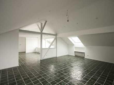 Dachgeschosswohnung mit uneinsehbarer Dachterasse und herrlicher Aussicht