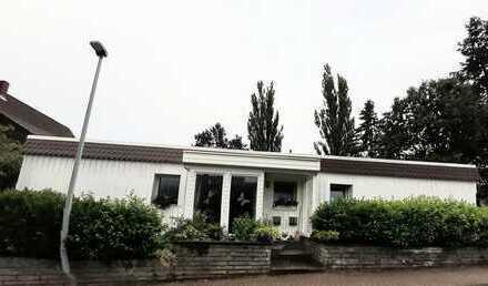 Sehr gepflegte Dreizimmerwohnung (+ Küche/ Bad) in einem Zweifamilien Bungalow