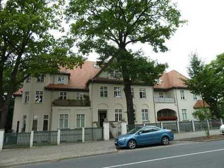 Gemütliche 2-Raum-Wohnung in sanierter Wohnvilla mit Terrasse ins Grüne - in Nähe der Dresdner Heide