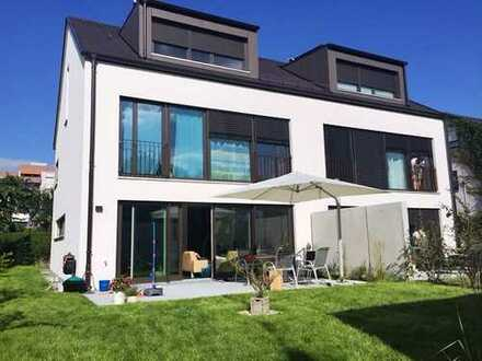 + Luxuriöse DHH mit 5,5 Zimmern+ in Ostfildern Nellingen für 1,5 Jahre