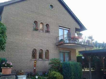 Lichtdurchflutete Wohnung mit großem Balkon