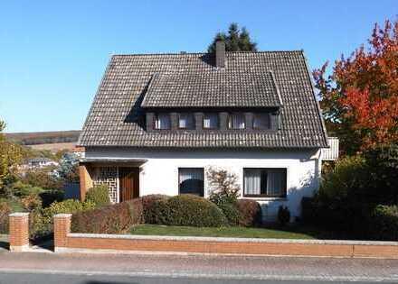 1-2 Familienhaus in ruhiger Wohnlage mit separatem Flurstück, als Garten oder Bauplatz nutzbar