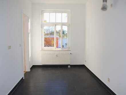 *** TOP SANIERT *** Moderne, komplett möblierte, ruhige 2-Zimmer-Wohnung mit ca. 75m² & Balkon