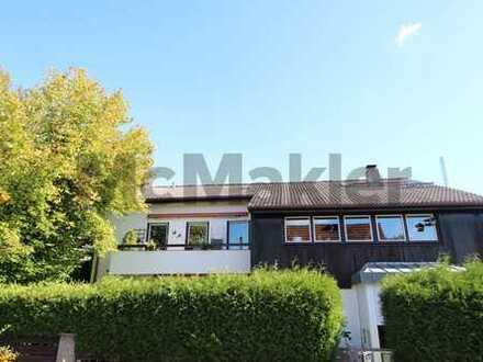 Zweifamilienhaus: Großzügige 6-Zi.-ETW mit Hauscharakter, separatem Eingang & eigenem Gartenanteil