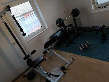 WG- Zimmer mit Fitnessraum , Sauna , Garten ...usw. im preis enthalten Wasser, Heizung ,Strom, Müll