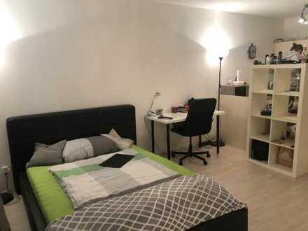 Gepflegtes 1-Zimmer Studentenappartment möbliert mit eigener Terasse und EBK in Hof