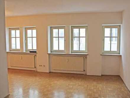 großzügig geschnittene 3 Zi.-Wohnung, 75 m²