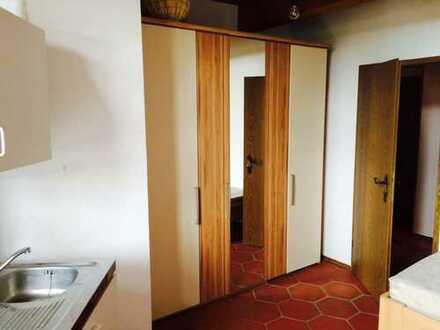 MONTEURWOHNUNG- - Möbliertes 1-Zimmer Appartement in Hirschaid zu vermieten - -