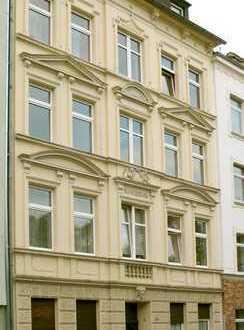 Helle Komfort-APPs mit Balkon/Wintergarten in denkmalgesch. Altbau (Hohe Decken)