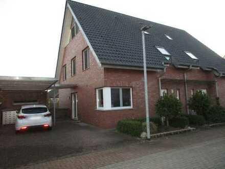 ##TOP - großzügige Doppelhaushälfte, mit EBK, Sauna und Carport in ruhiger Wohnlage##
