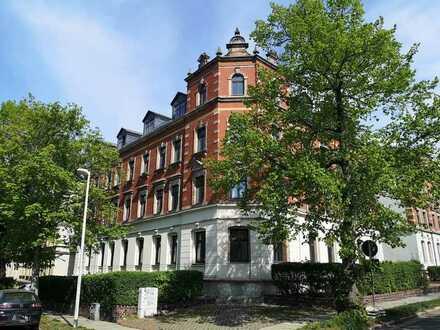 3-Zi.-Wohnung im Dachgeschoss mit Stellplatz in bester Hilbersdorfer Wohnlage. ***EBK möglich***